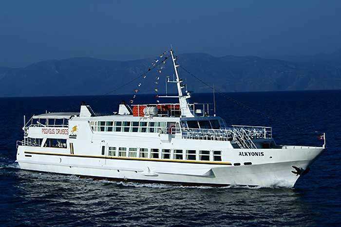 Alkyonis cruise boat - 1