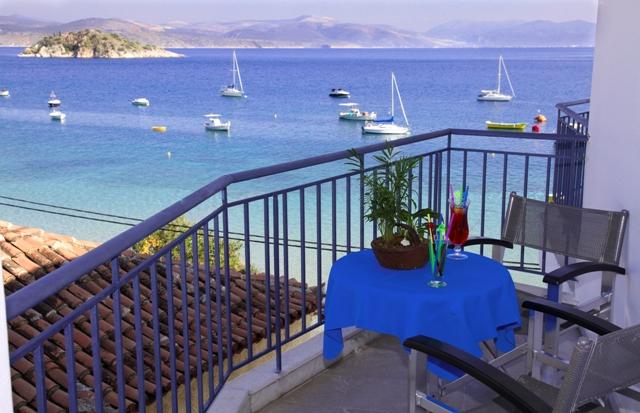 Dolfin hotel - side sea view - balcony 1
