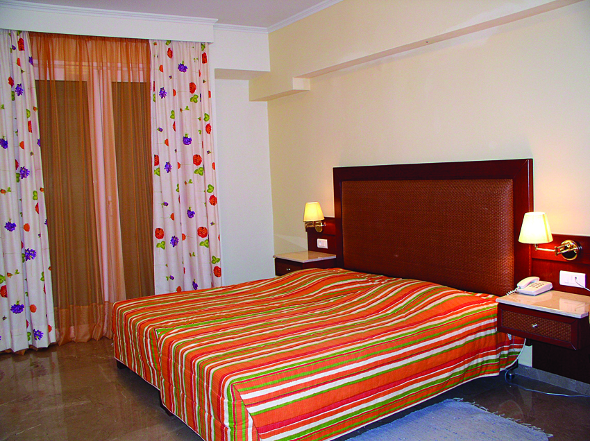 John & George hotel-double room-annex