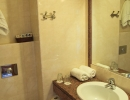 John & George hotel-bathroom-2
