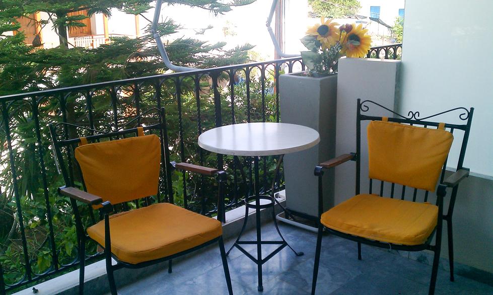 John & George Hotel - Balcony