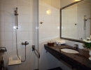 John & George hotel -special bathroom-2