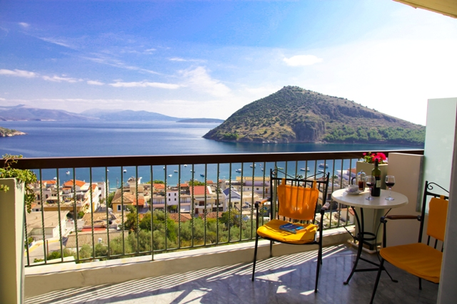 4johngeorge-seaview-balcony
