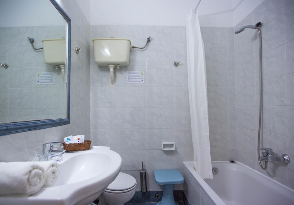 Dolfin-Room Double-SSV-WC