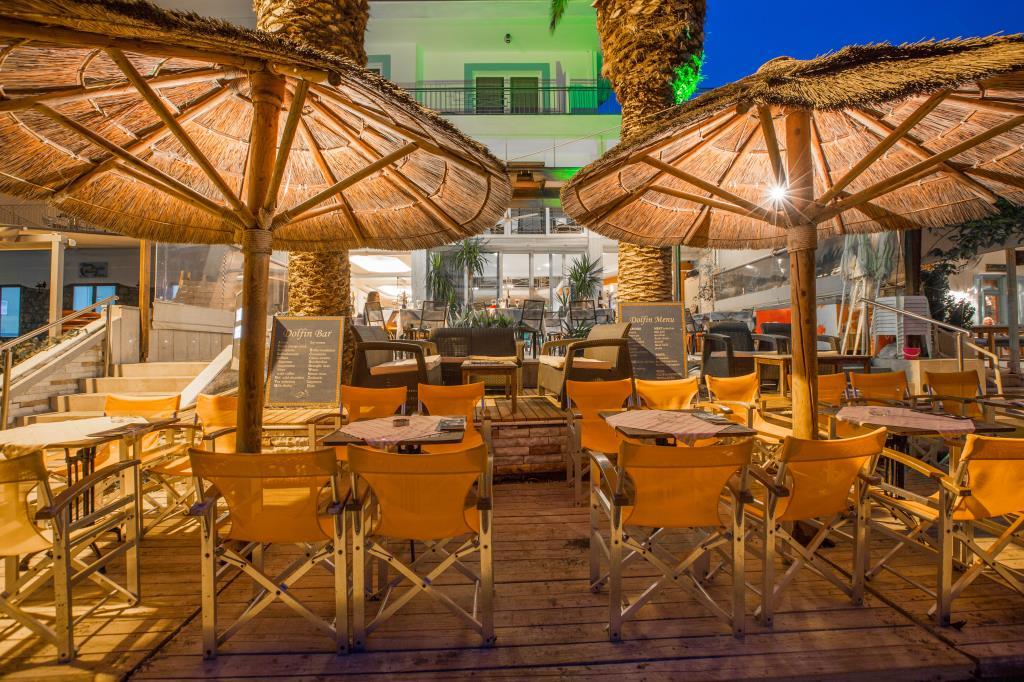 Dolfin-terrace-beach