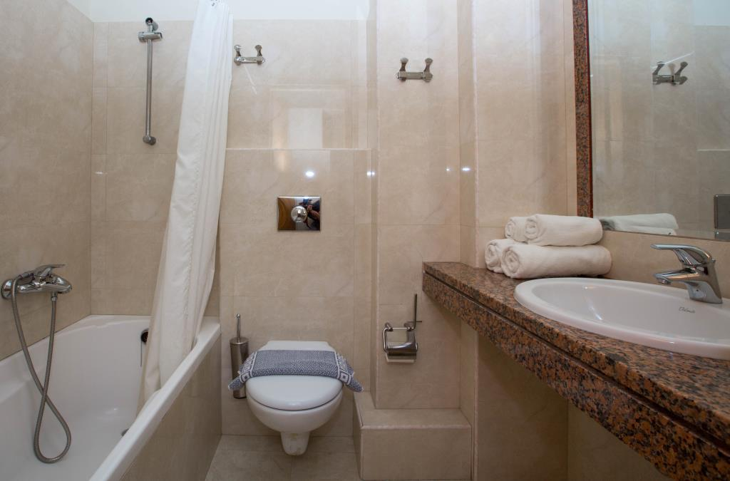 J&G-Double room-WC