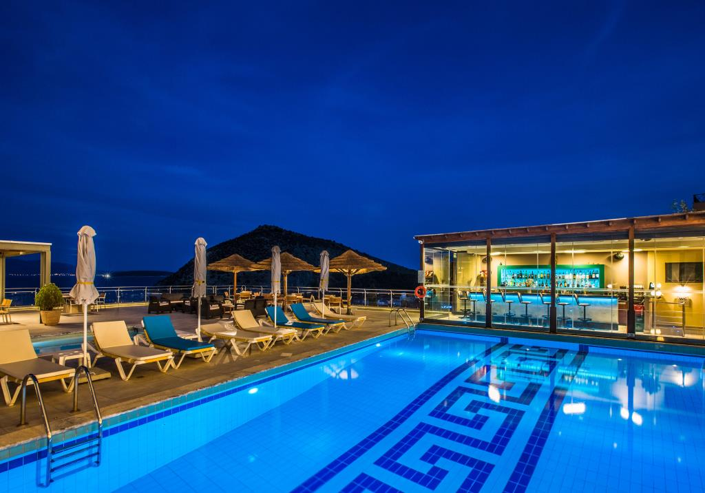 J&G-View pool & bar - 1
