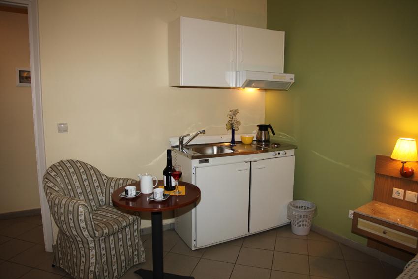Dolfin hotel - studio - kitchen