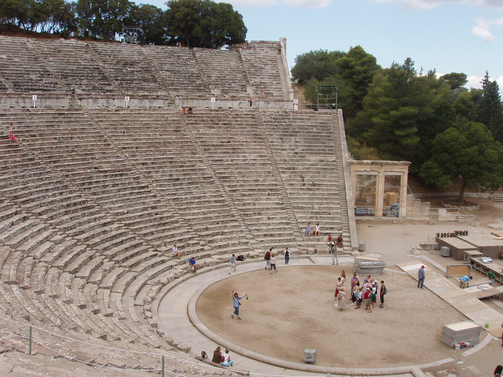 Epidaurus theatre -02
