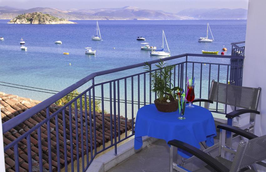 dolfin-sideseaview-balcony1